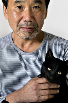 haruki-murakami-with-cat-2