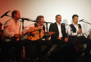 3min-xoli-festivali-filmi-kurdi-yotubori-la-wlati-sweed-dasti-peykrd-14