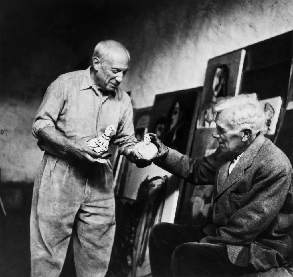 له ڕاستهوه: جۆرج براك و پابلۆ پیكاسۆ | 1954، به كامێرای لی میلهر